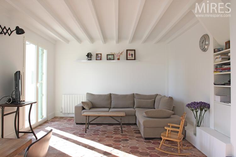 Familiale min rale et pas banale charliestine for Decoration maison avec tomettes
