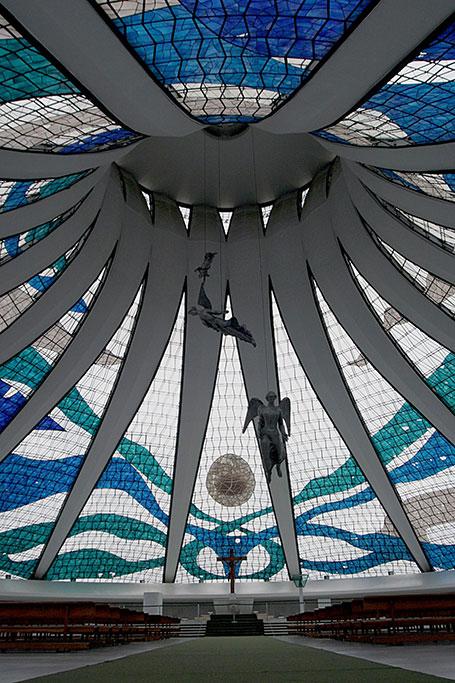 9 Cathédrale Métropolitaine Notre Dame de l'Apparition de Brasilia Oscar Niemeyer on charliestine.net