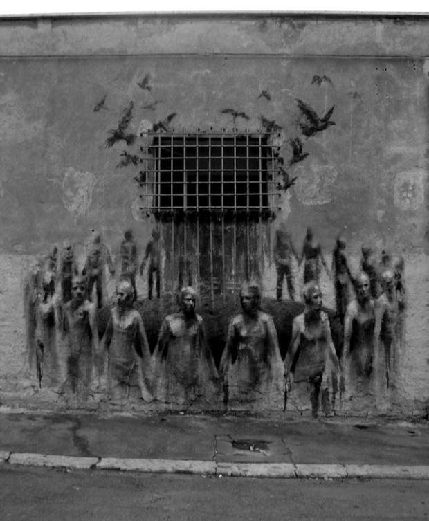 18 Street-Art-by-Borondo-from-Spain-4-1-mini
