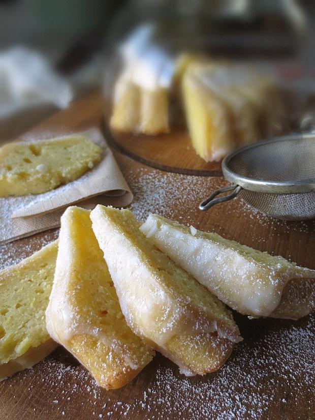 Cake à l'huile d'olive & au citron - glaçage au Limoncello on CharliEstine.net